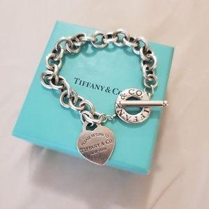 Authentic Tiffany & Co. Toggle heart bracelet 💎♥️